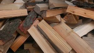 Holzscheite für Kaminofen wassergeführt